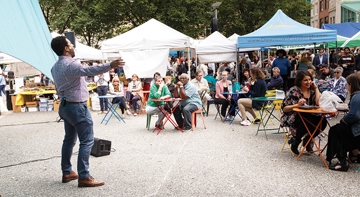 photo: Ben Taylor sings at Market Square