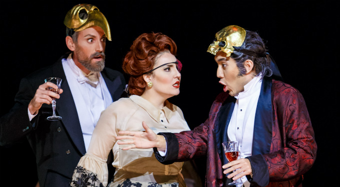Andy Berry performs as Marchese D'Obigny in La traviata