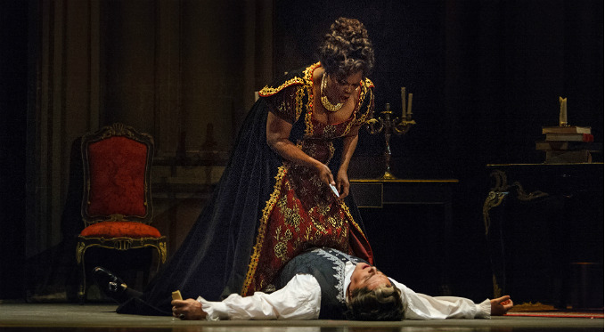 Tosca kills Police Chief Scarpia