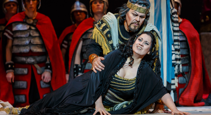 Abigaille regrets her treatment of the Israelite and her betrayal of her father Nabucco (Mark Delavan). She takes poison and dies in his arms.