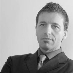 Paolo Pecchioli sings Dr. Dulcamara