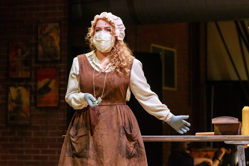 Maire Therese Carmack, as Dorabella,