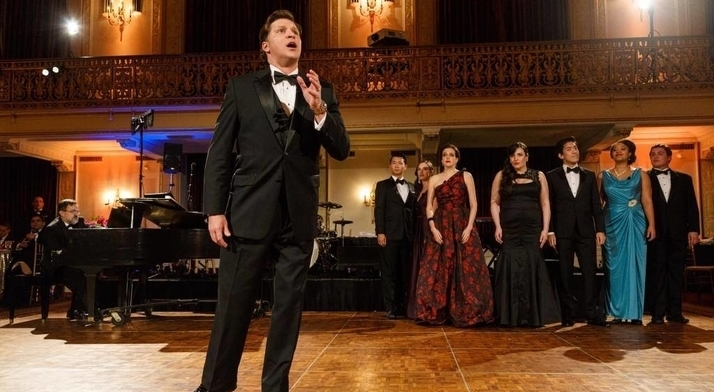Cody Austin unleashes a Nessun Dorma on Pittsburgh Opera Resident Artists and guests at the 2016 Diamond Horseshoe Ball.