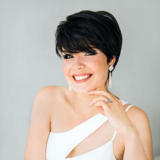 headshot of mezzo-soprano Zanda Svede